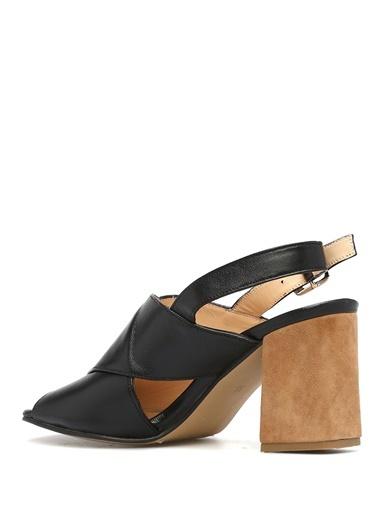 Sandalet-Gravitas